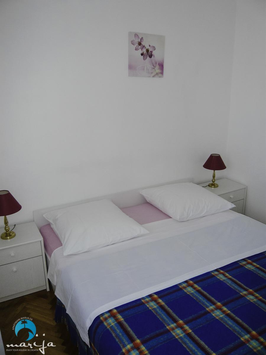 1 zimmer apartment ferienwohnung apartmani marija tisno. Black Bedroom Furniture Sets. Home Design Ideas